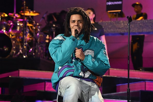 J. Cole performs at halftime during the 68th NBA All-Star Game on February 17, 2019 | Photo: Getty Images
