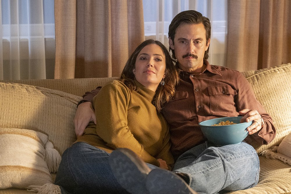 """Mandy Moore as Rebecca, Milo Ventimiglia as Jack in a production still for """"This Is Us"""" taken in 2019. I Image: Getty Images."""