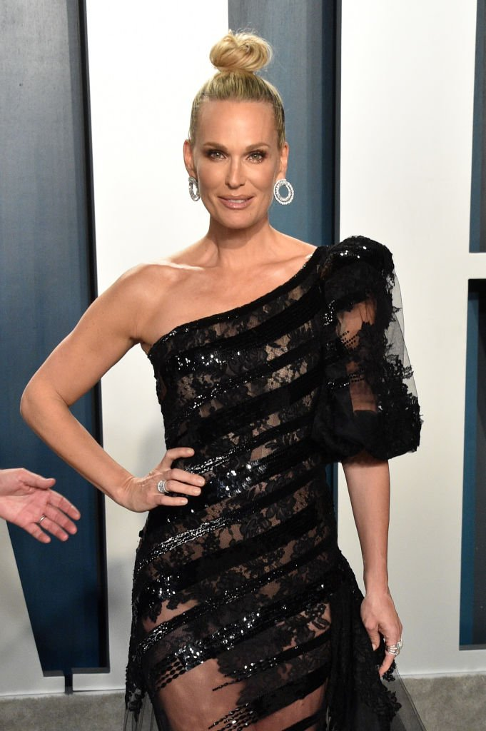 Molly Sims attends the 2020 Vanity Fair Oscar Party hosted by Radhika Jones at Wallis Annenberg Center for the Performing Arts on February 09, 2020 | Photo: Getty Images