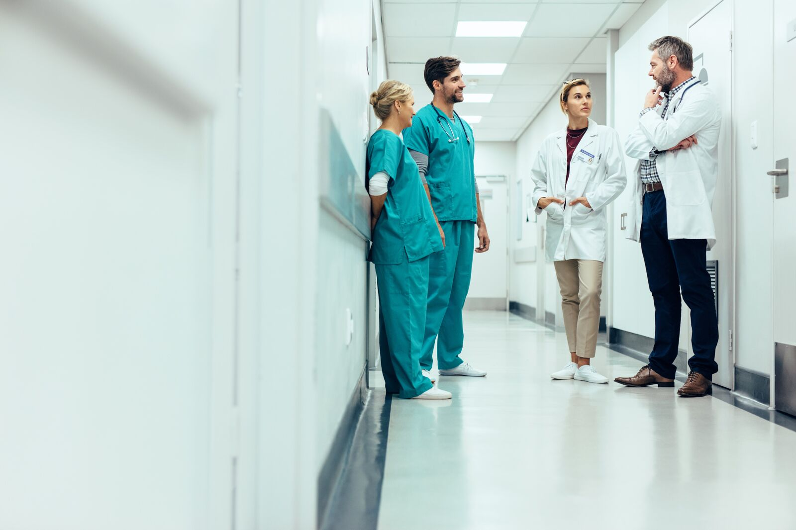 People in a hospital | Photo: Shutterstock