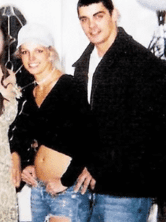 Britney Spears and Jason Alexander. I Image: YouTube/ Clevver News.