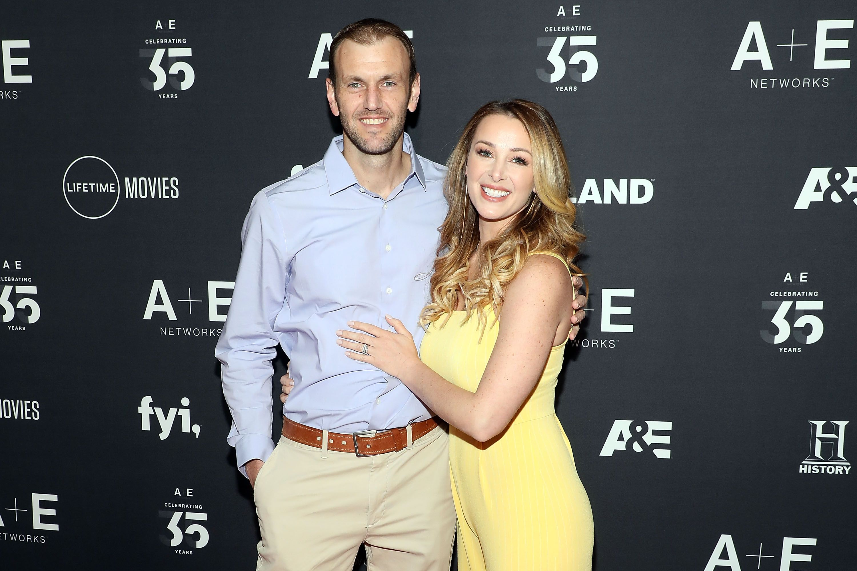 Doug Hehner and Jamie Otis at the 2019 A+E Upfront at Jazz in 2019 in New York | Source: Getty Images