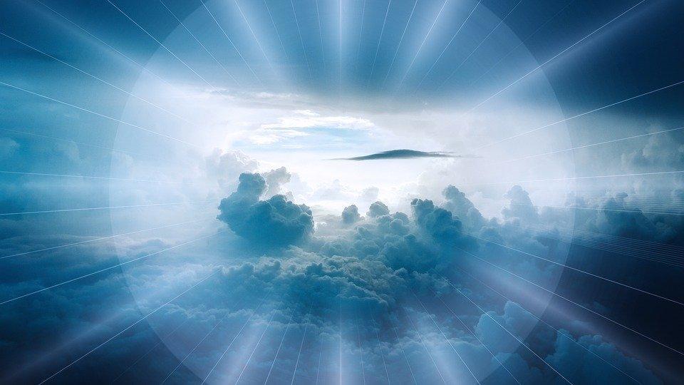 Ciel avec de nuage bleu. - Photo : Unsplash