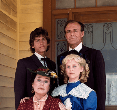 """Scottie (Katherine) MacGregor as Harriet Oleson, Richard Bull as Nels Oleson on """"Little House on the Prairie""""   Source: Getty Images"""