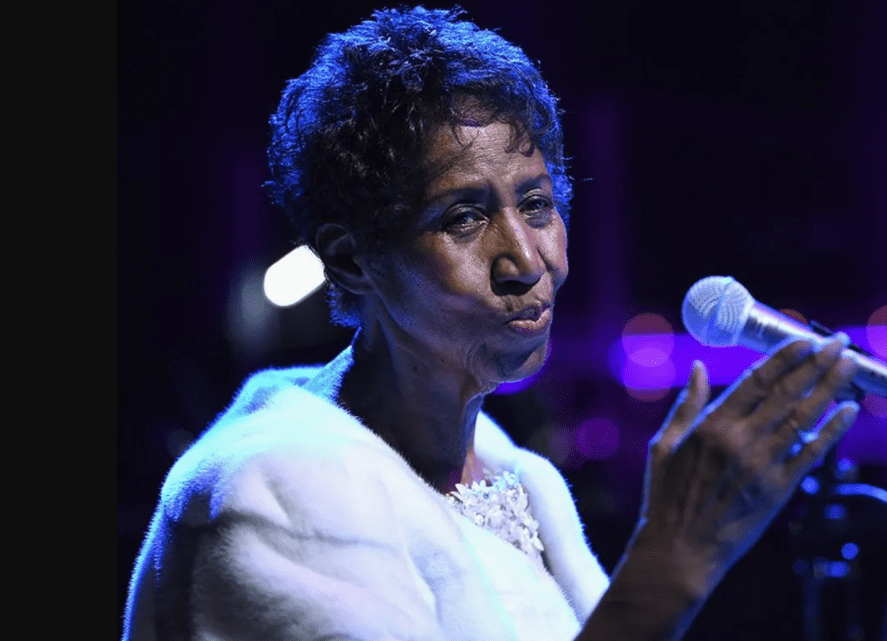 Aretha Franklin performs onstage at the Elton John AIDS Foundation's commemoration Its 25th year at Cathedral of St. John the Divine on November 7, 2017 I Photo: Getty Images.