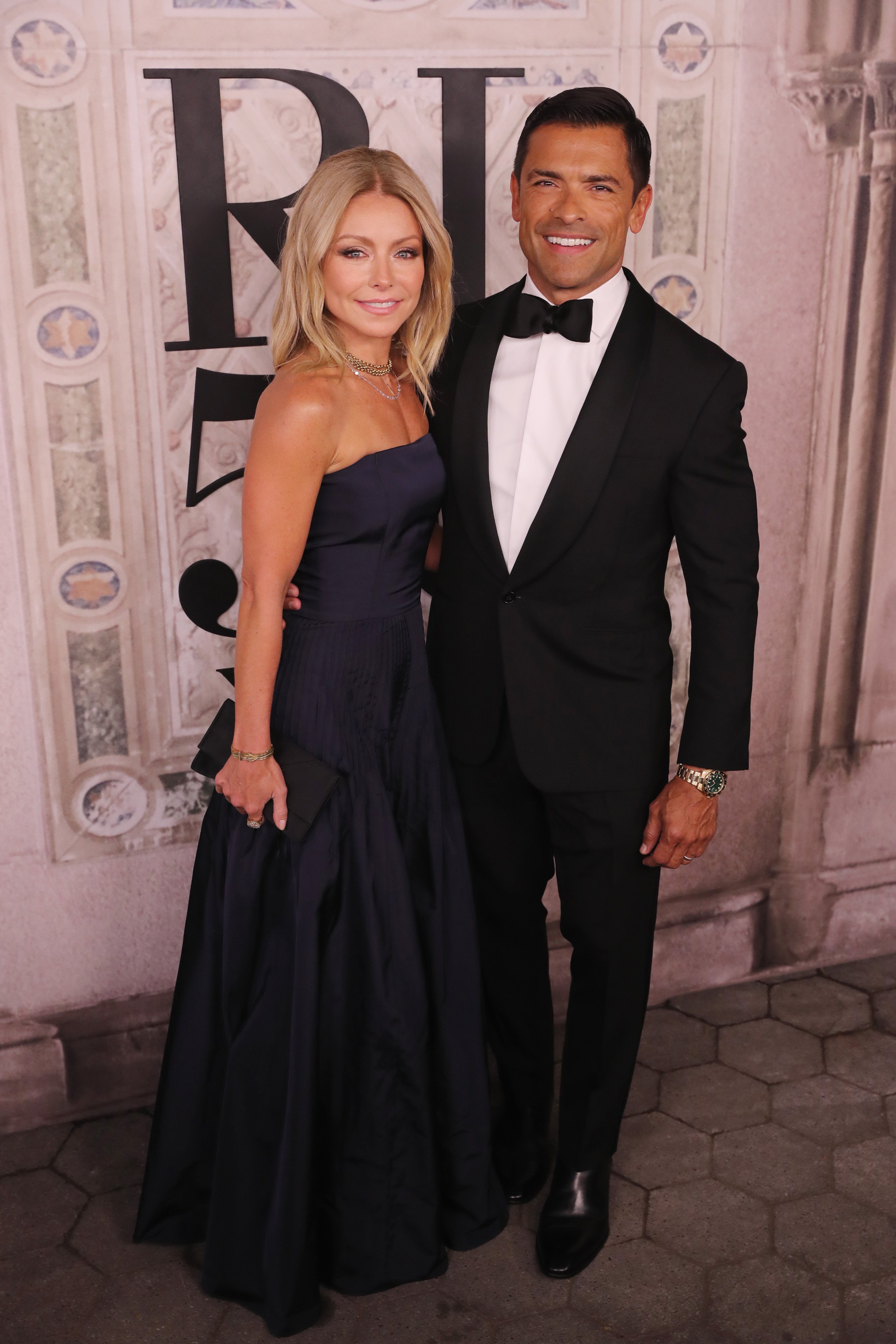 Kelly Ripa and Mark Consuelos attend the Ralph Lauren fashion show in New York City on September 7, 2018 | Photo: Getty Images