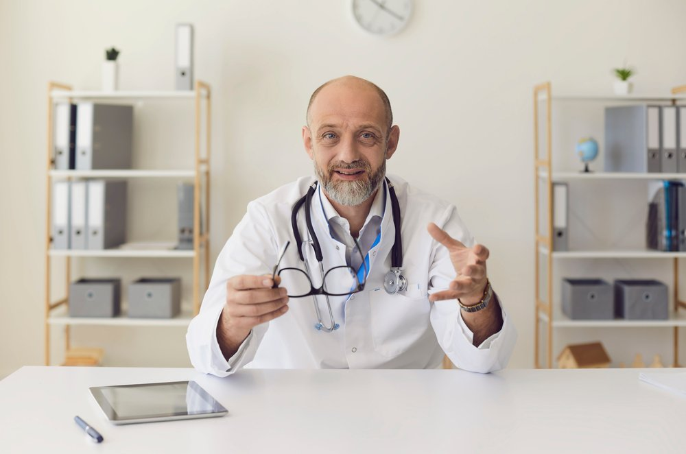 A photo of a doctor offering advice.   Photo: Shutterstock