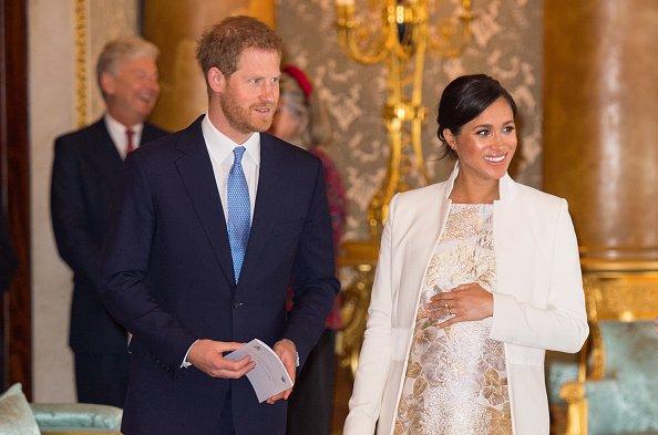 Meghan Markle et le prince Harry, duc de Sussex, assistent au cinquantième anniversaire de l'investiture du prince de Galles au palais de Buckingham, le 5 mars 2019, à Londres, Angleterre : Getty Images
