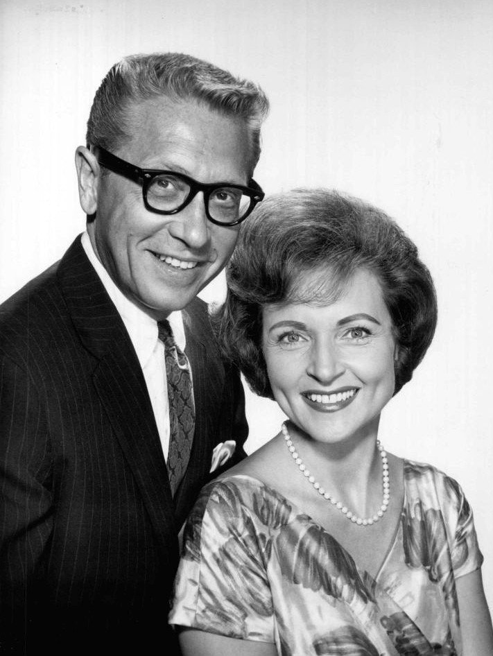 Allen Ludden and Betty White circa 1963. | Source: Wikimedia Commons