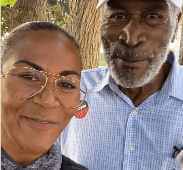 John Amos and his daughter Shannon share a video of themselves. | Source: Instagram/officialshannonamos