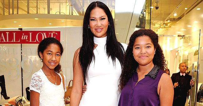 Kimora Lee Simmons' Daughter Aoki Shows off Fit and Flexible Body While Doing Yoga