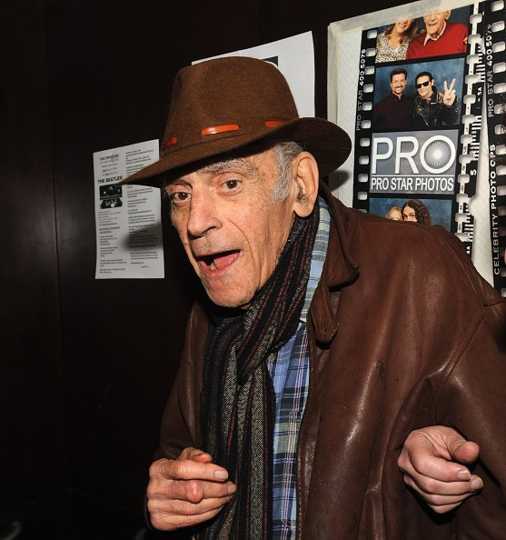 Abe Vigoda attends day 2 of Chiller Theatre Expo on October 24, 2015, in Parsippany NJ, United States. | Source: Getty Images.