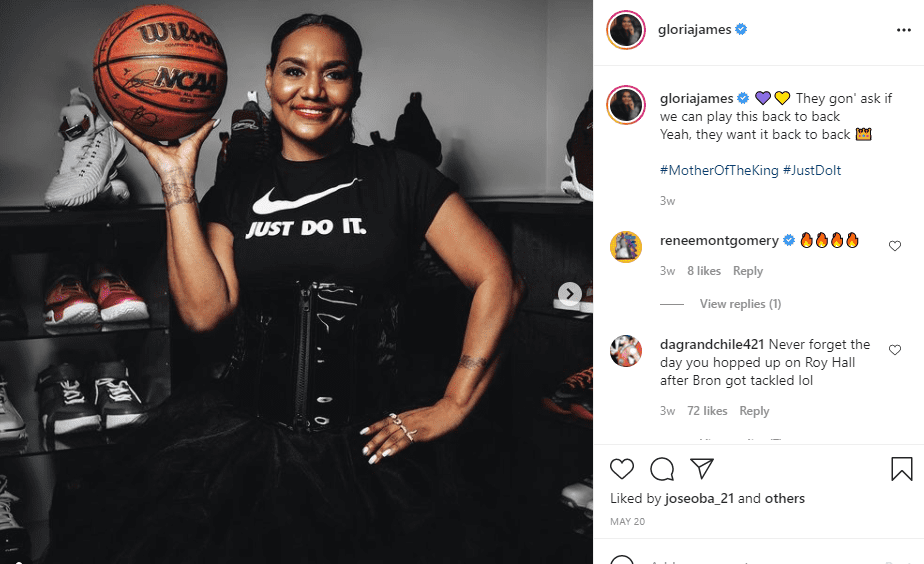 Gloria James in a nike t-shirt , posing with a basketball | Photo: Instagram/gloriajames