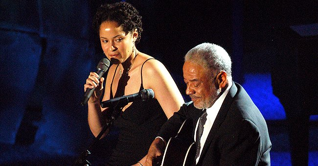 Bill Withers and his daughter Kori Withers performed a duet at the 36th Songwriters Hall of Fame Induction Ceremony on June 09, 2005 in New York | Source: Getty Images (Photo by L. Busacca/WireImage for Songwriter's Hall of Fame)