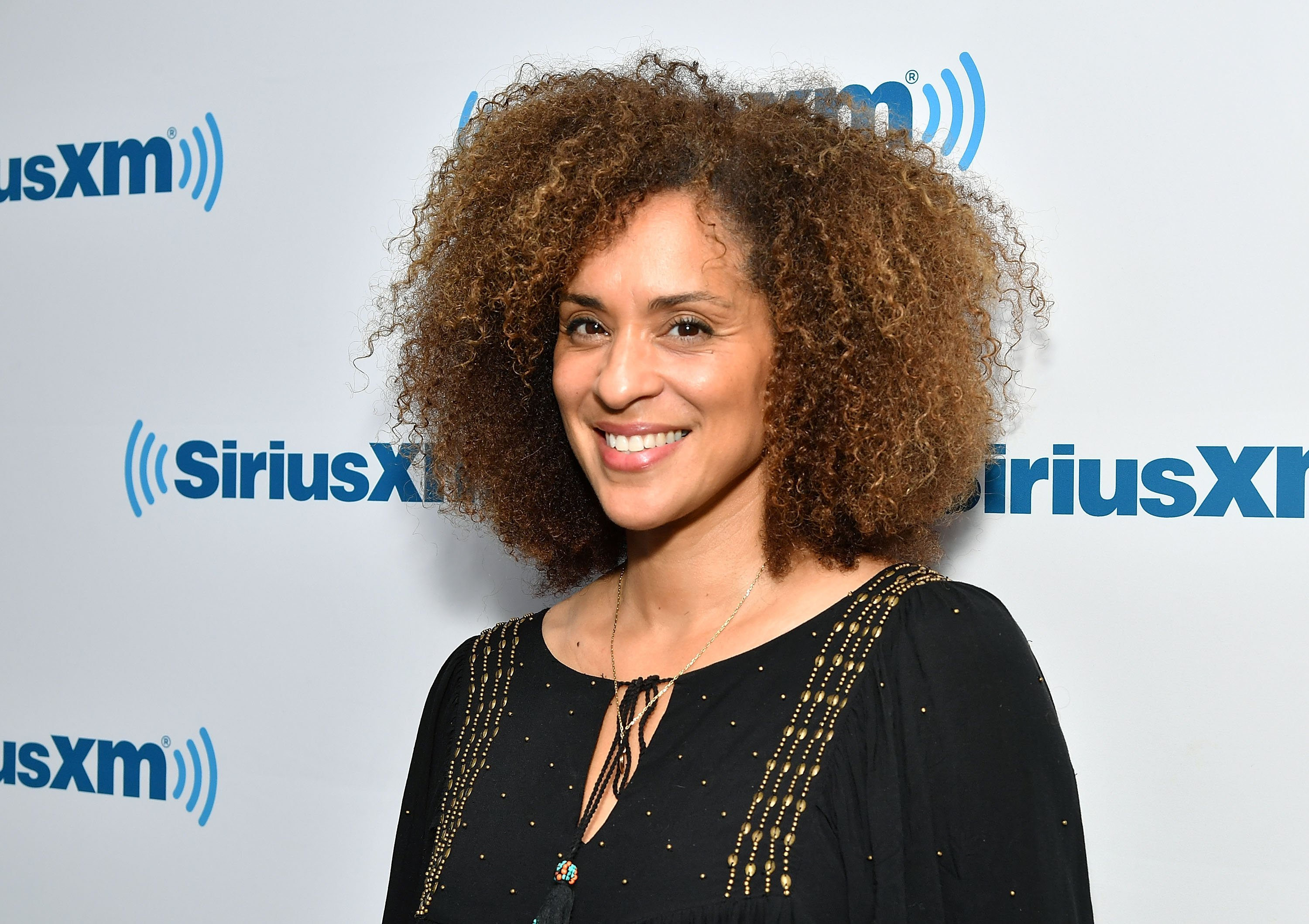 Actress Karyn Parsons visits SiriusXM Studios on June 1, 2017. | Source: GettyImages/Global Images of Ukraine
