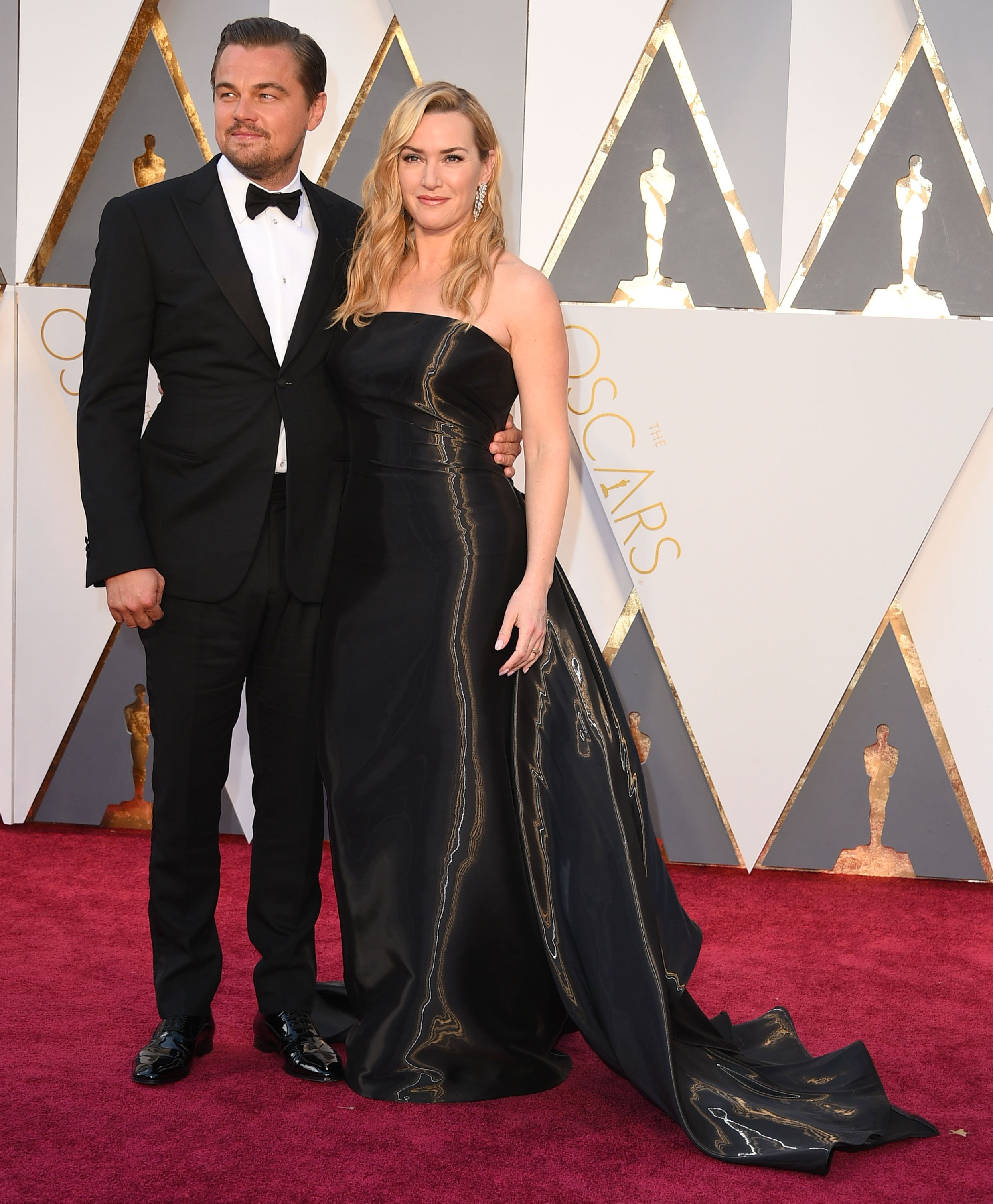 """""""Titanic"""" stars Kate Winslet and Leonardo DiCaprio attend the 88th Annual Academy Awards in California in 2016. 