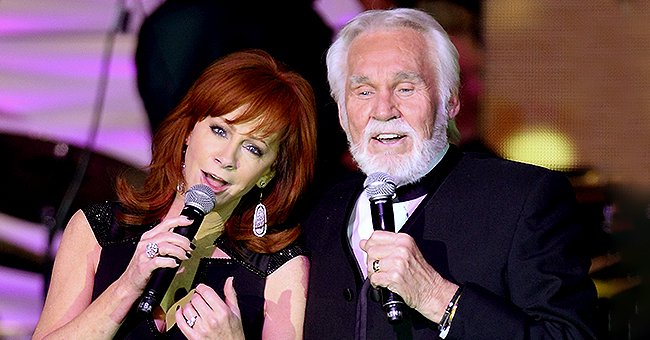 Reba McEntire Recalls Job Offer from Kenny Rogers That Helped Her Heal after Band's Fatal Crash