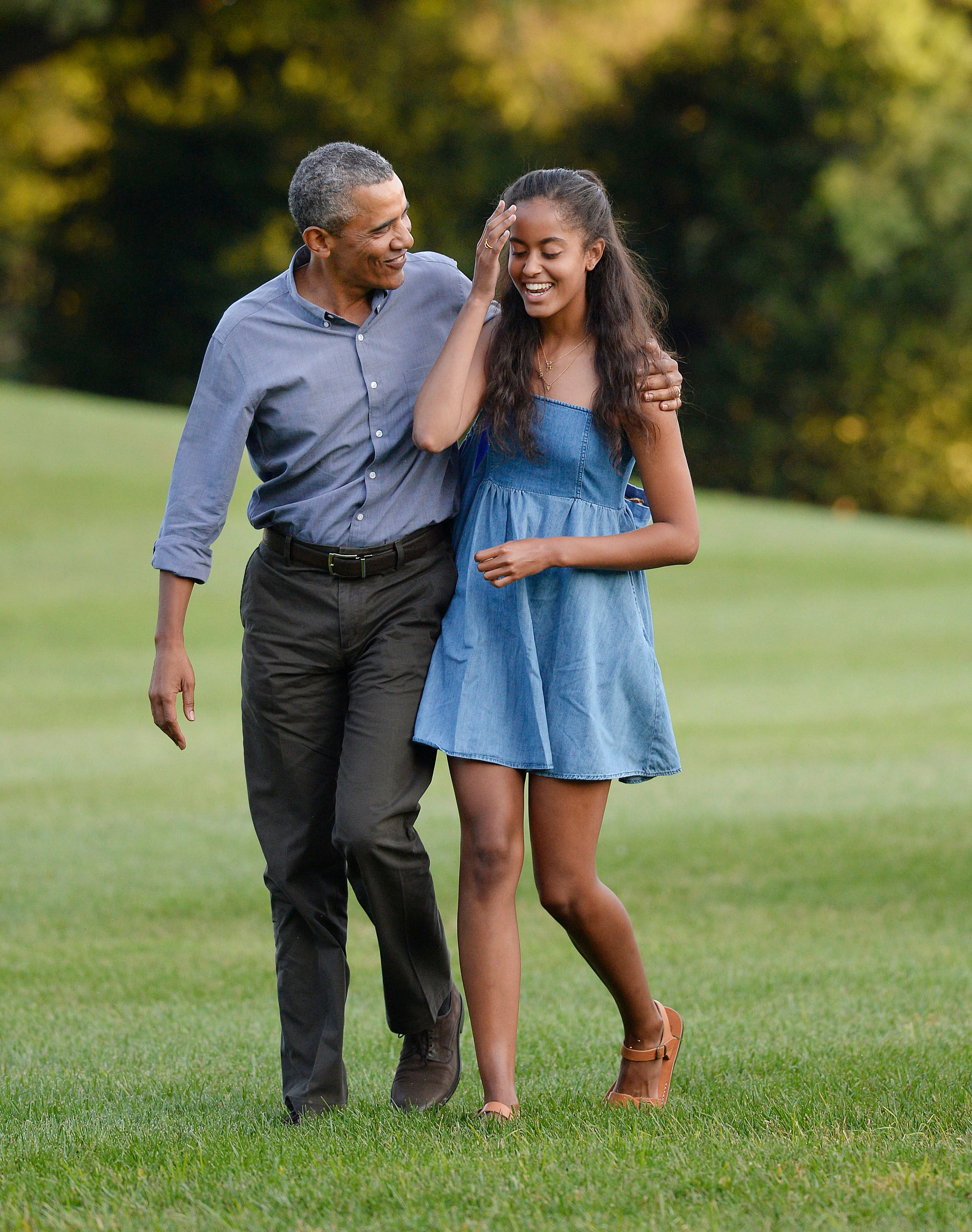 Barack Obama and Sasha Obama at the White House in August 23, 2015 in Washington, D.C. The first family was returning from vacationing on Martha's Vineyard. | Source: Getty Images