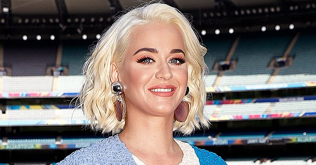 Heavily Pregnant Katy Perry Lounges on a Chair to Take a Rest While Baby Shopping
