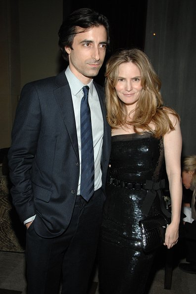 Noah Baumbach and Jennifer Jason Leigh at Soho Grand Hotel on November 8, 2007 in New York City. | Photo: Getty Images