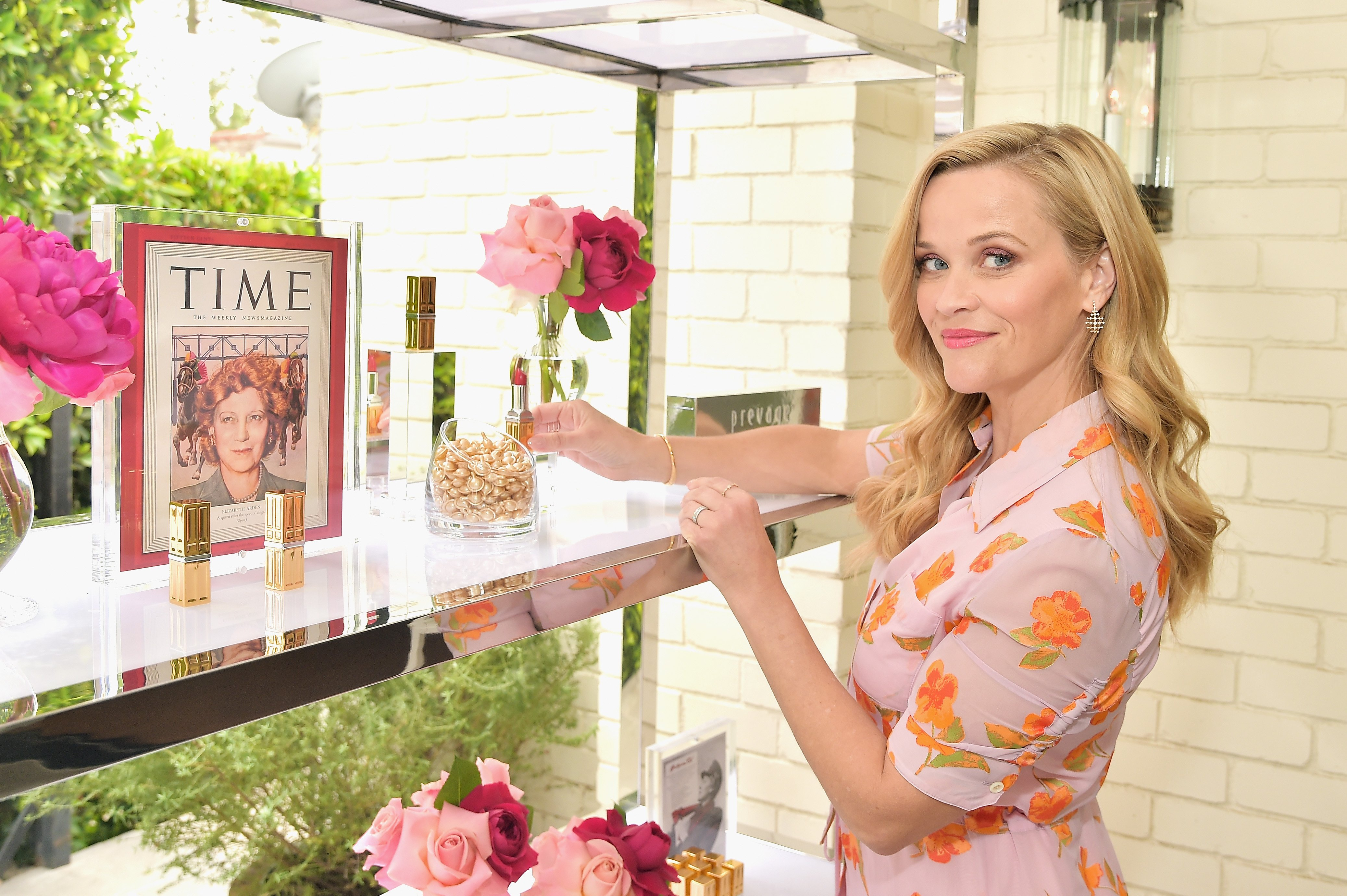 Reese Witherspoon hosts the Elizabeth Arden Garden Party at Private Residence on May 15, 2019 in Beverly Hills, California | Photo: Getty Images