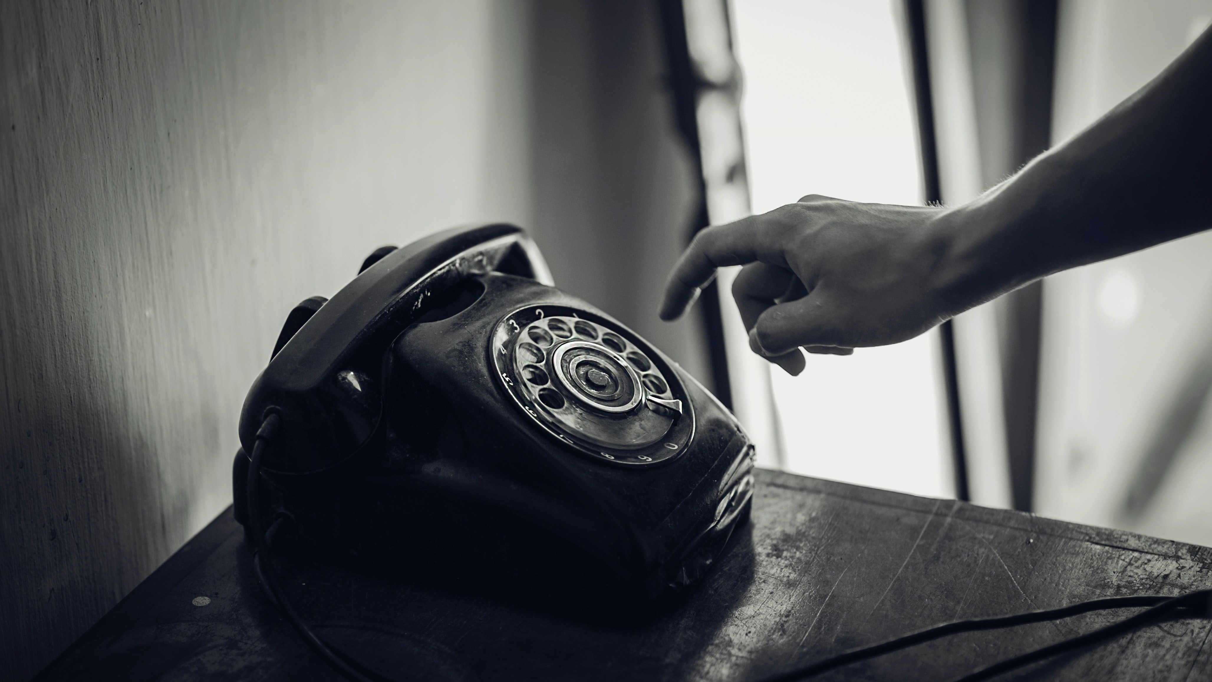 The phone started ringing in Olga's new flat | Source: Pexels