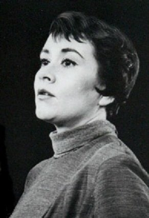 Joan Plowright in 1958. | Source: Wikimedia Commons