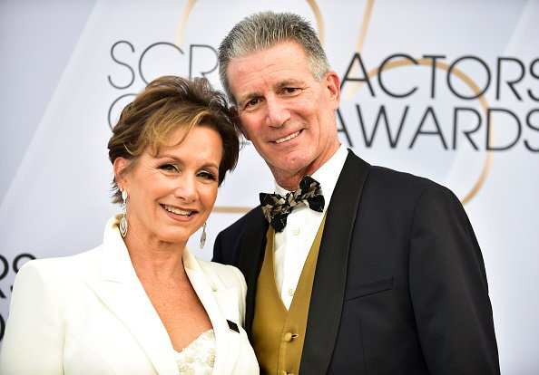 Gabrielle Carteris (L) and Charles Isaacs arrive at the 25th Annual Screen Actors Guild Awards at The Shrine Auditorium on January 27, 2019, in Los Angeles, California. | Source: Getty Images.
