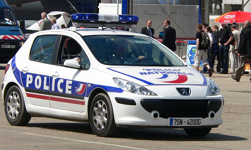Une voiture de police. l Source: Wikimedia Commons