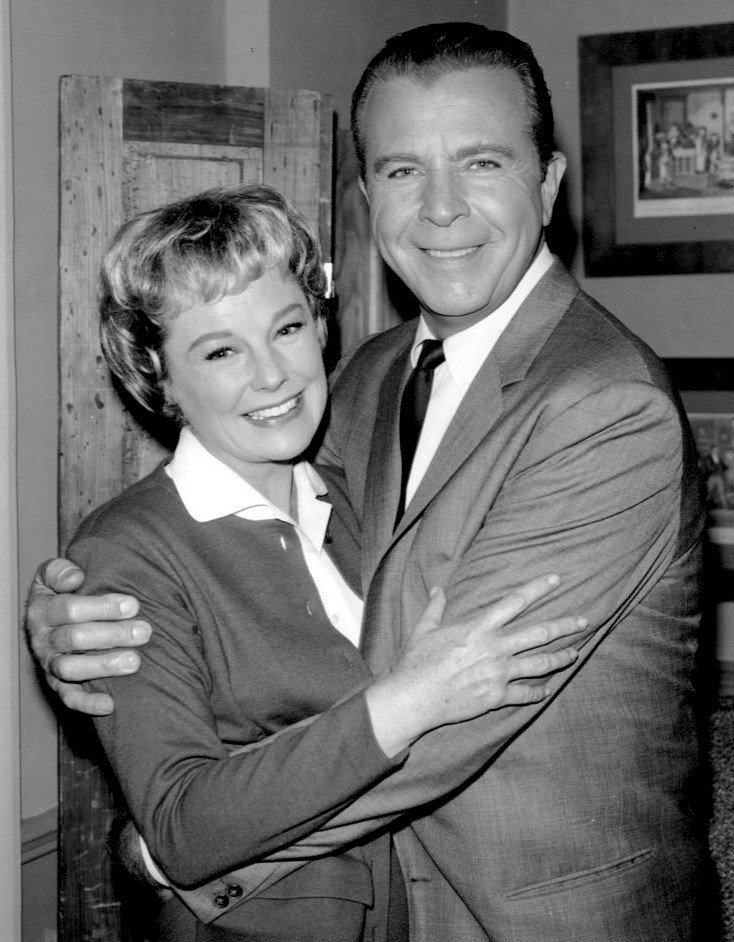 June Allyson and Dick Powell in 1962   Source: Wikimedia Commons/ Public domain
