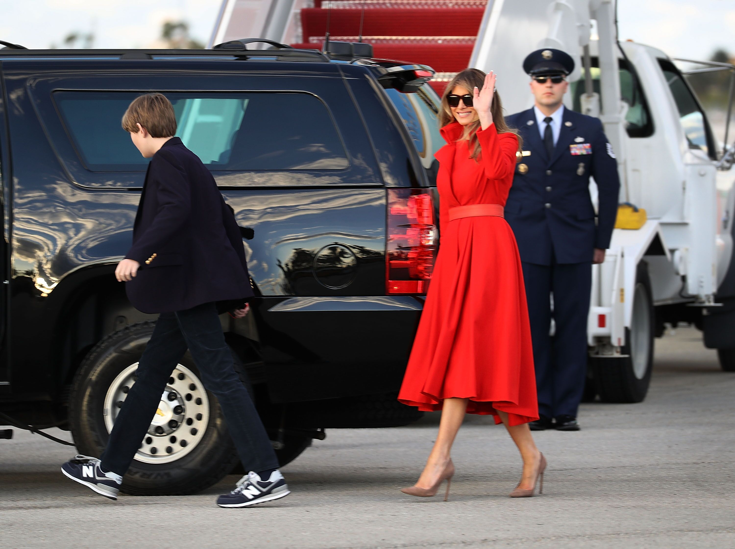 Melania Trump and her son, Barron Trump arriving on Air Force One at the Palm Beach International Airport in 2017 | Source: Getty Images