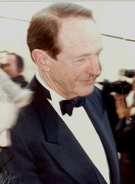 William Schallert at the 1990 Academy Awards. | Source: Wikimedia Commons, photo by Alan Light