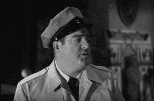 Lou Costello in Abbott and Costello Meet Frankenstein.   Source: youtube.com/Movieclips