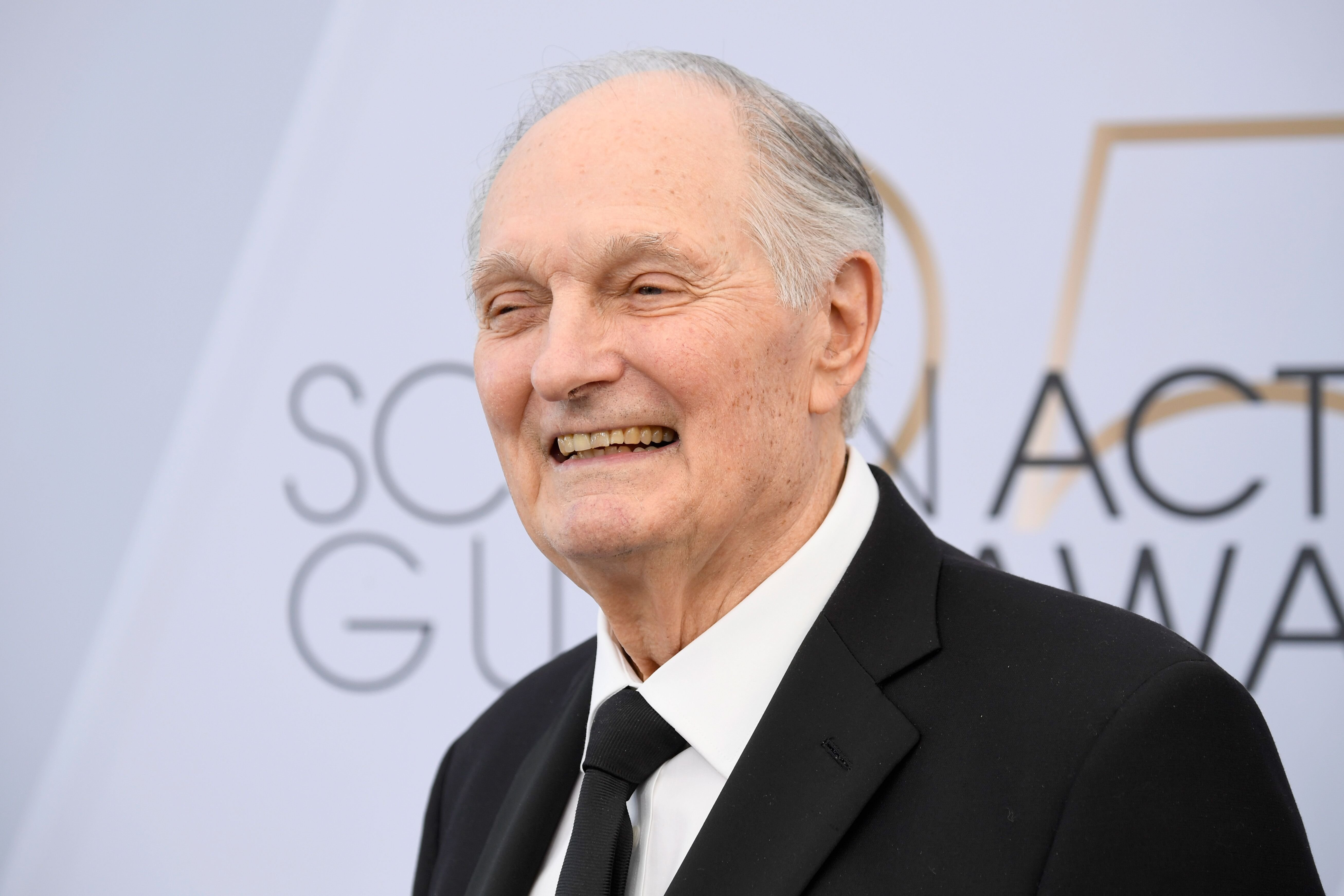 Alan Alda attends the 25th Annual Screen Actors Guild Awards at The Shrine Auditorium on January 27, 2019 in Los Angeles, California | Photo: Getty Images