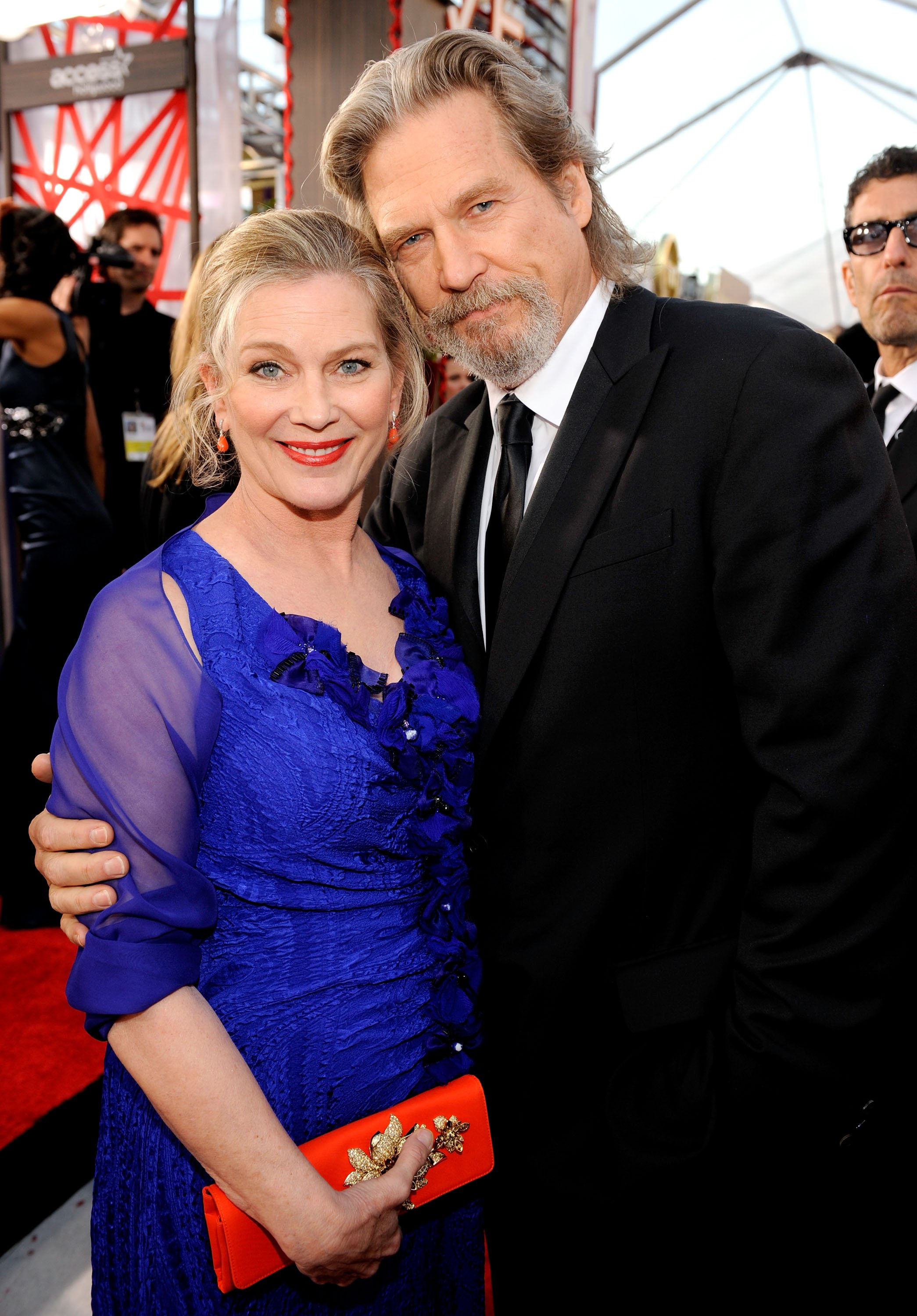 Susan Geston and actor Jeff Bridges arrive at the 16th Annual Screen Actors Guild Awards on January 23, 2010. | Source: Getty Images