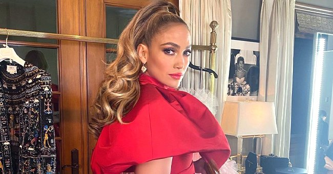 Here's a Closer Look at Jennifer Lopez's Dramatic Red Outfit Worn at the Peoples Choice Awards