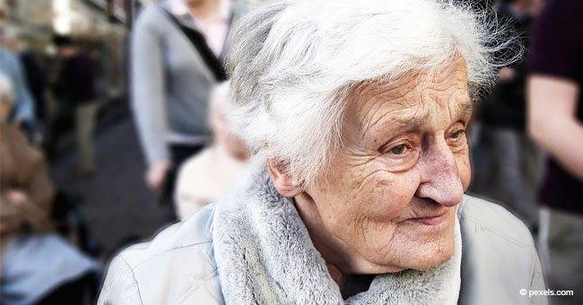 La historia de la anciana Paquita y su familia hinchable derrite miles de corazones