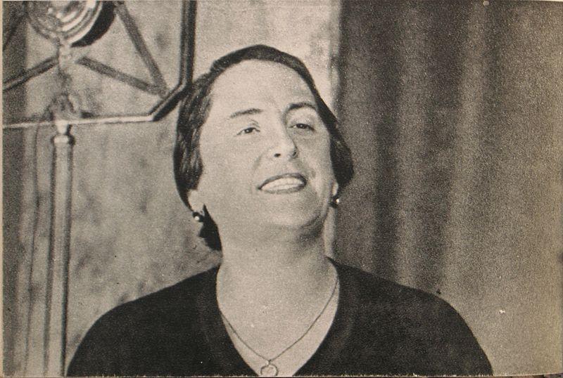 Foto de Dolores Ibárruri tomada por el escritor ruso Mikhail Koltsov en 1936. | Foto: Wikipedia