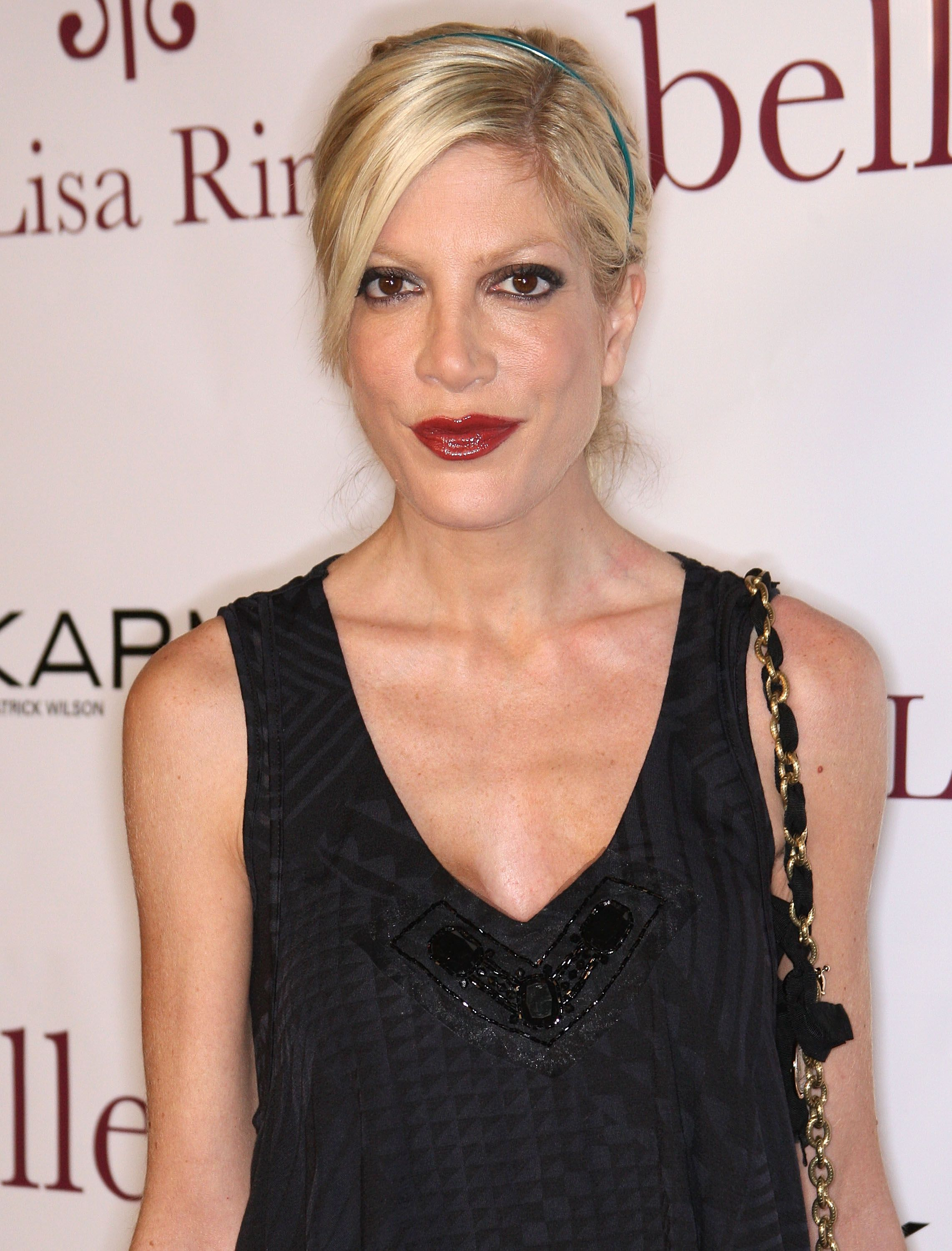 Actress Tori Spelling at the seventh anniversary of the Belle Gray Boutique on February 12, 2010 in Los Angeles, California | Photo: Getty Images