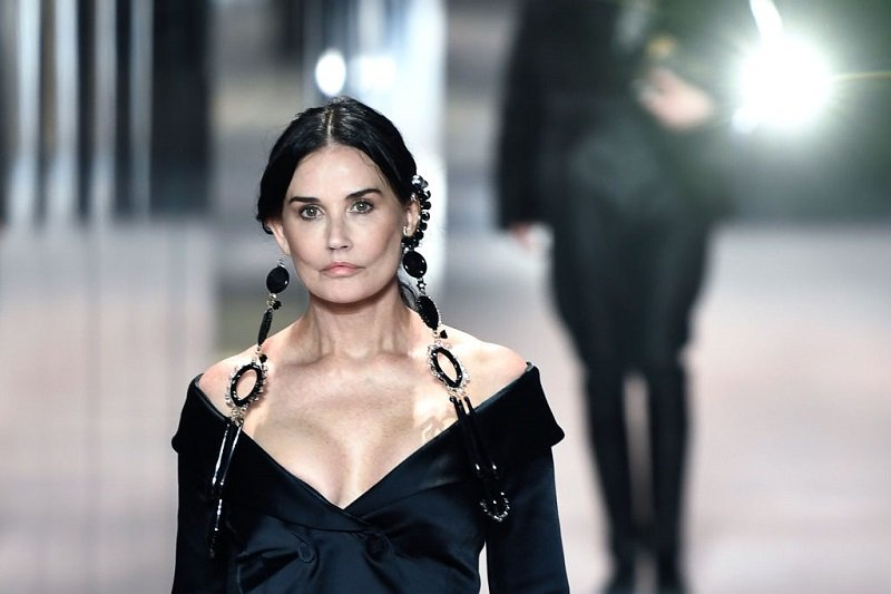 Demi Moore during the Paris Haute Couture Fashion Week in Paris, on January 27, 2021   Photo: Getty Images