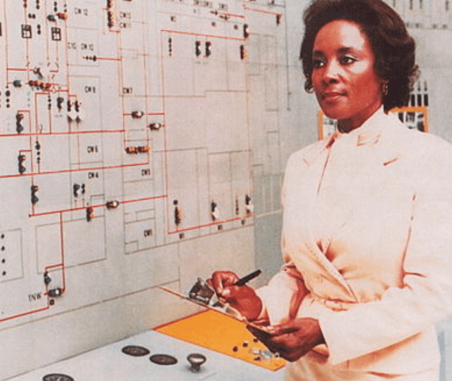 Front cover of the Science and Engineering Newsletter featuring Annie Easley at Lewis Research Center | Source: Wikimedia Commons
