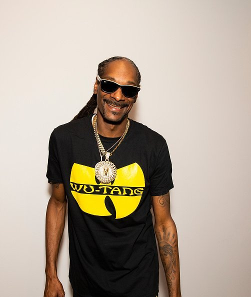 Snoop Dogg at the GVNG Hosts Celebrity Fundraiser for Emmanuel Kelly in Los Angeles, California.| Photo: Getty Images.