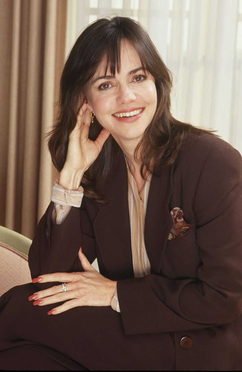 Sally Field poses during a 1991 Los Angeles, California, photo portrait session. | Source: Getty Images