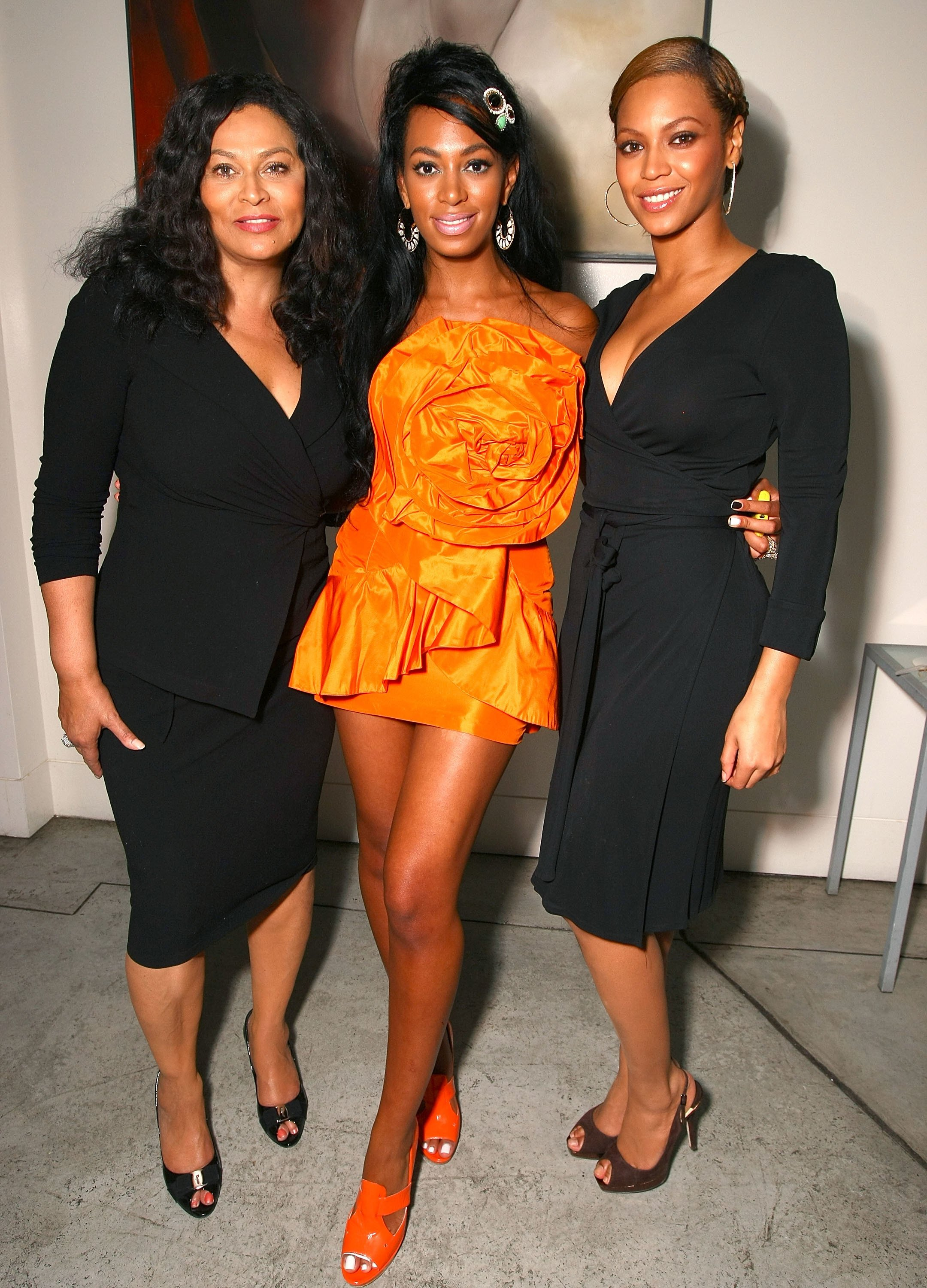 Tina Knowles with daughters Solange and Beyonce at Solange Knowles' birthday party at a private residence in 2008 in Los Angeles | Source: Getty Images