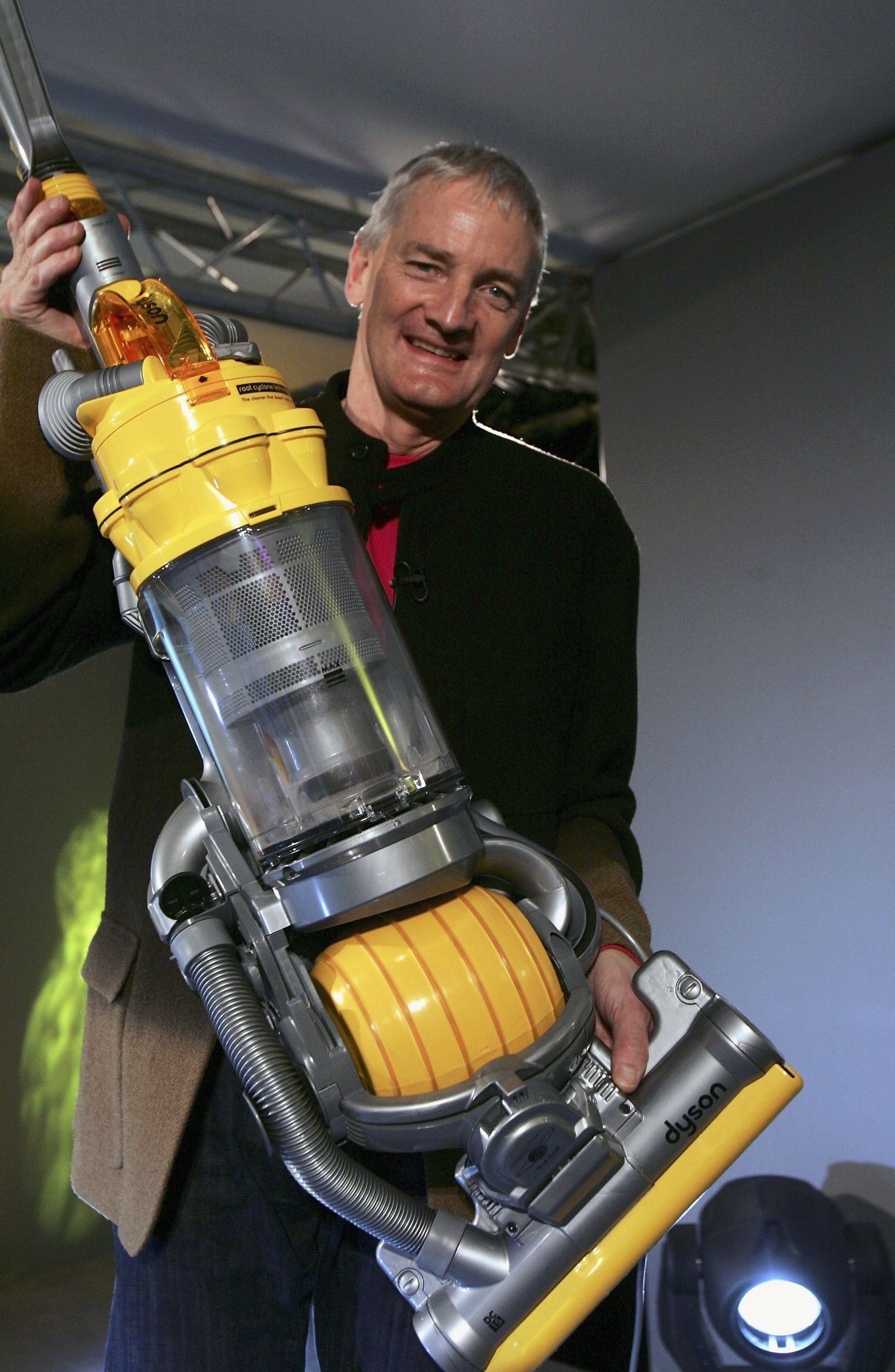Inventor James Dyson is seen at the launch of his latest hoovering invention on March 14, 2005 in London| Photo: Getty Images