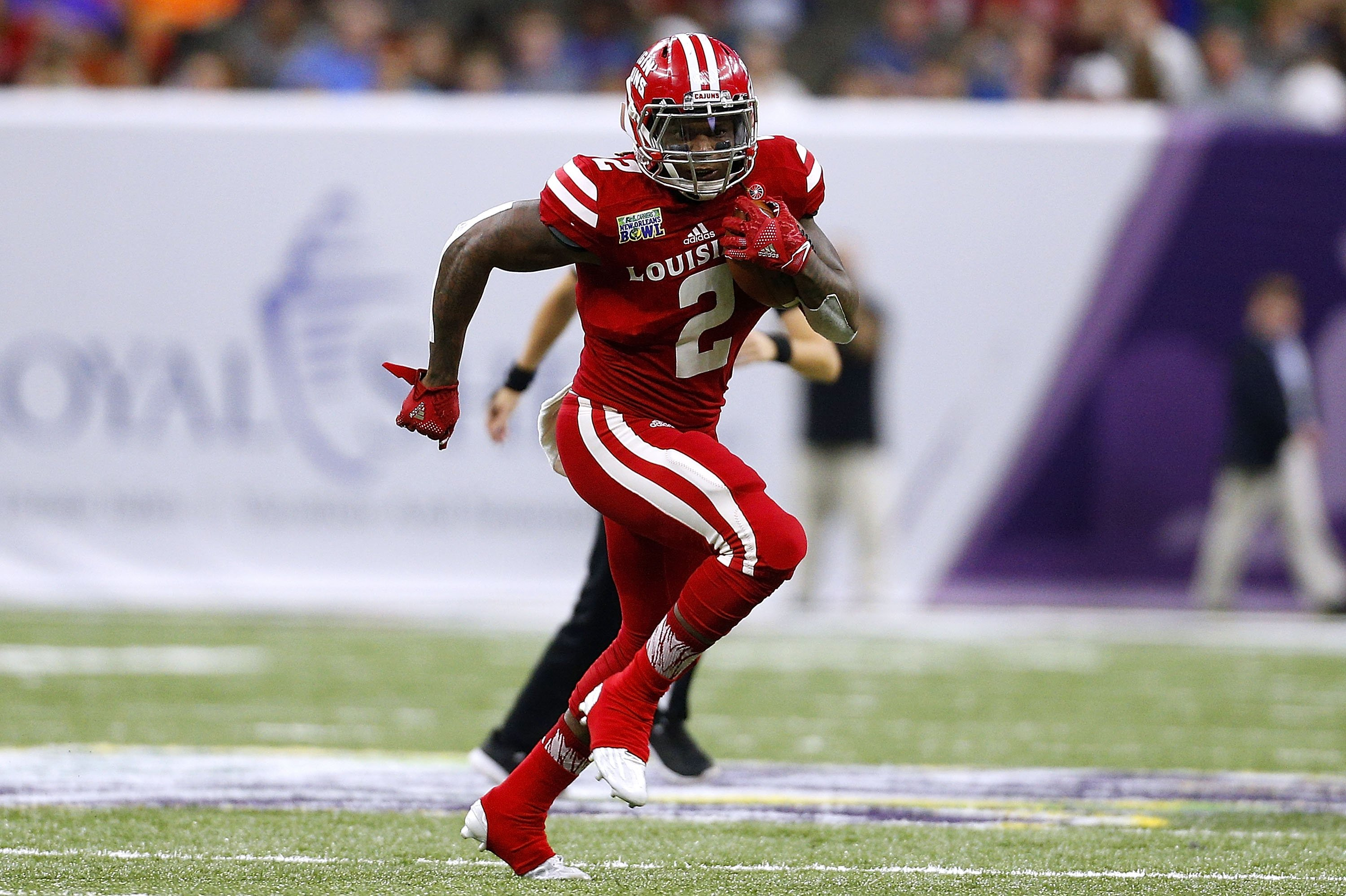 Al Riles #2of the Louisiana-Lafayette Ragin Cajuns at a gameat the Mercedes-Benz Superdome on December 17, 2016, in New Orleans, Louisiana | Photo:Jonathan Bachman/Getty Images