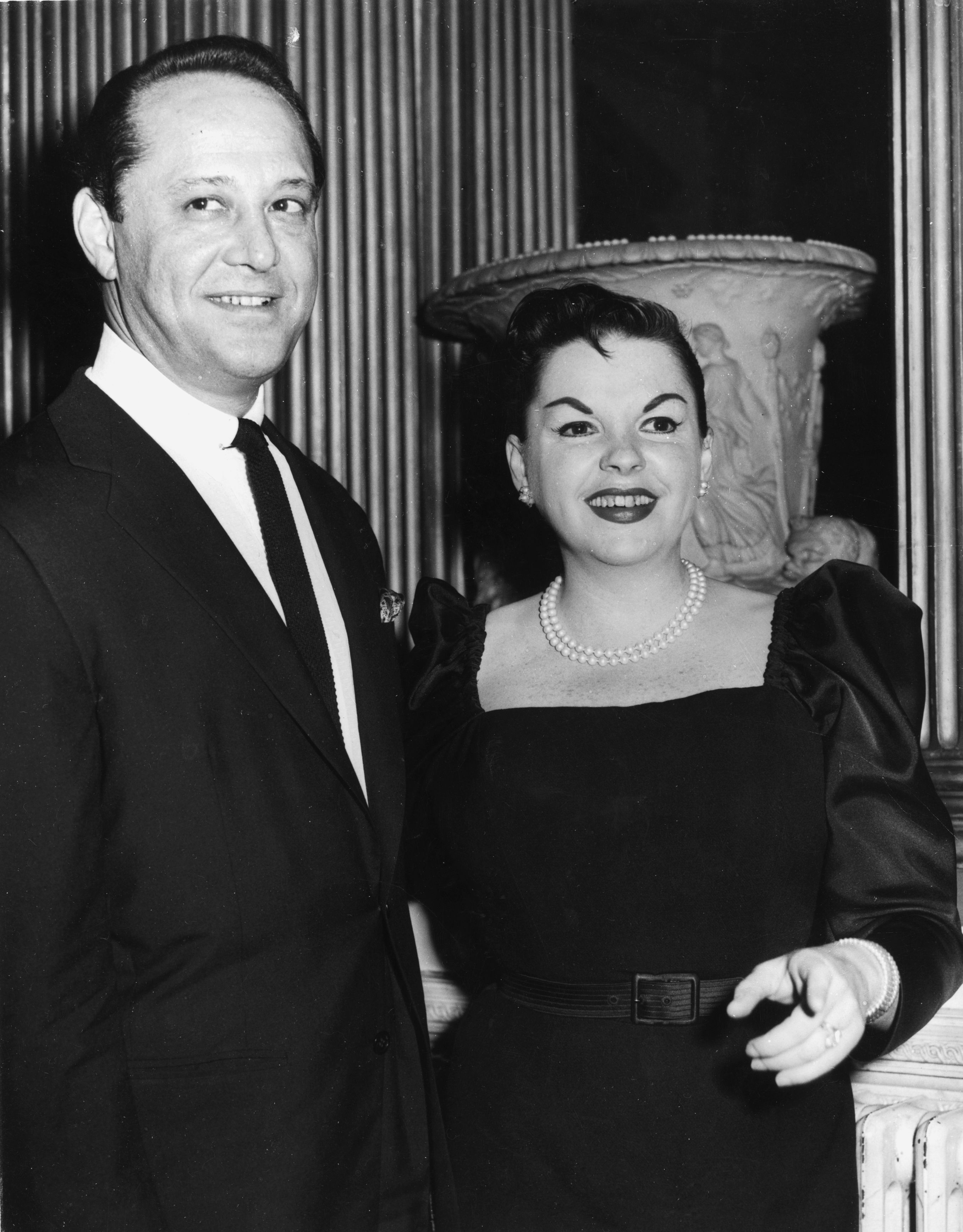 Judy Garland with her husband Sidney Luft at a reception in her honour at Londonderry House. | Source: Getty Images