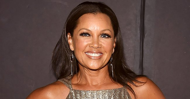 See Vanessa Williams' Beautiful Turquoise Christmas Tree with Nude Garland