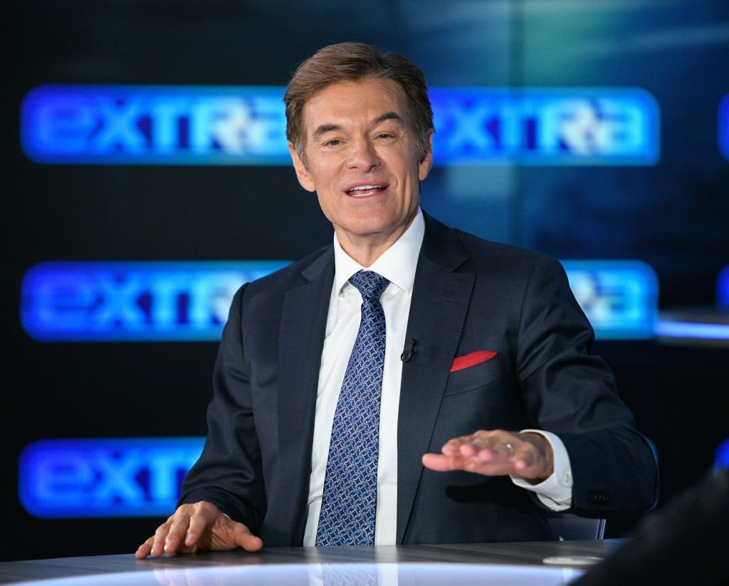 "Dr. Mehmet Oz visits ""Extra"" at Burbank Studios 