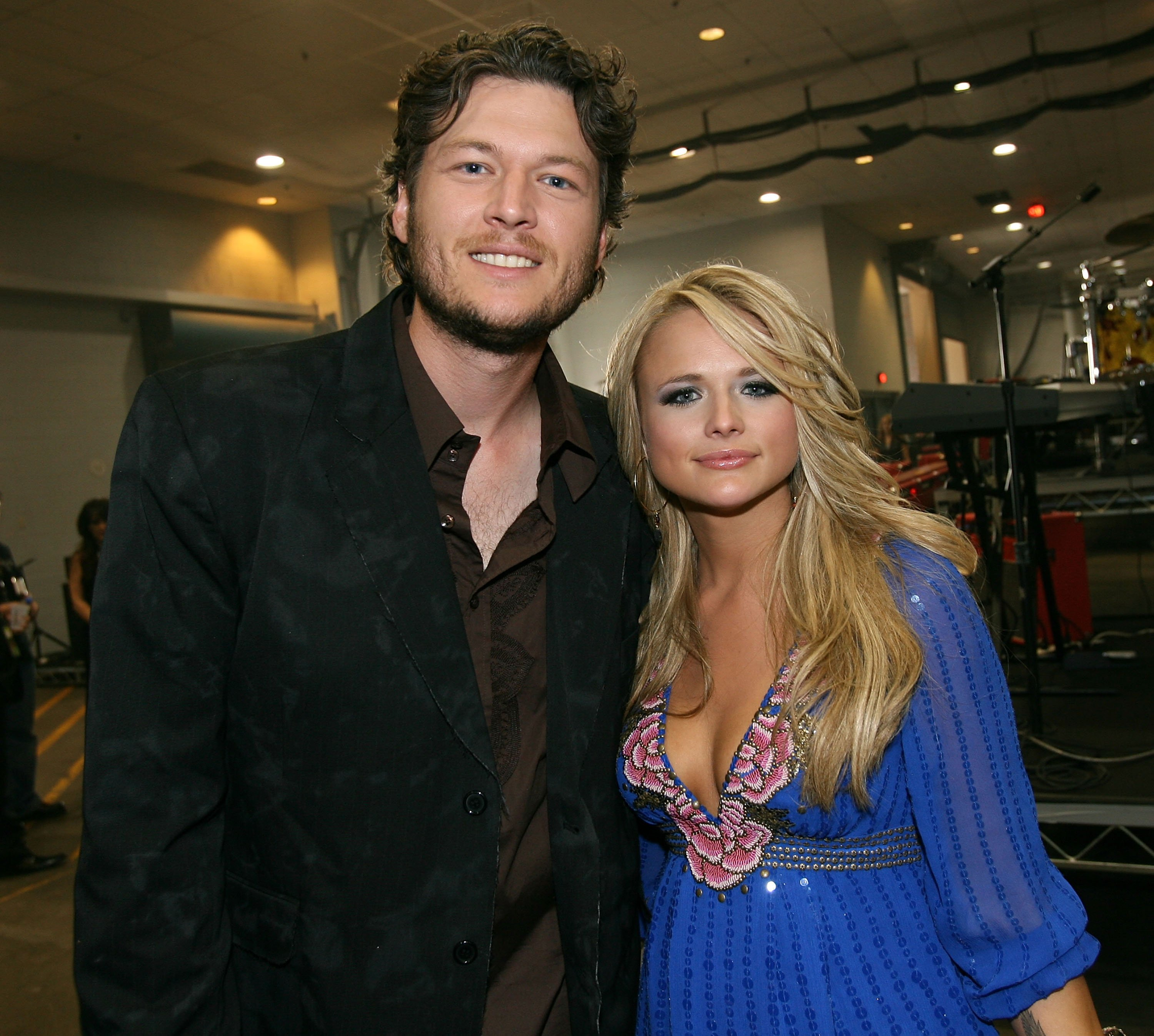 Blake Shelton and Miranda Lambert pose backstage at the 42nd Annual Academy Of Country Music Awards held at the MGM Grand Garden Arena on May 15, 2007 | Photo: GettyImages